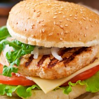 FREE RUN GRILLED CHICKEN BURGER